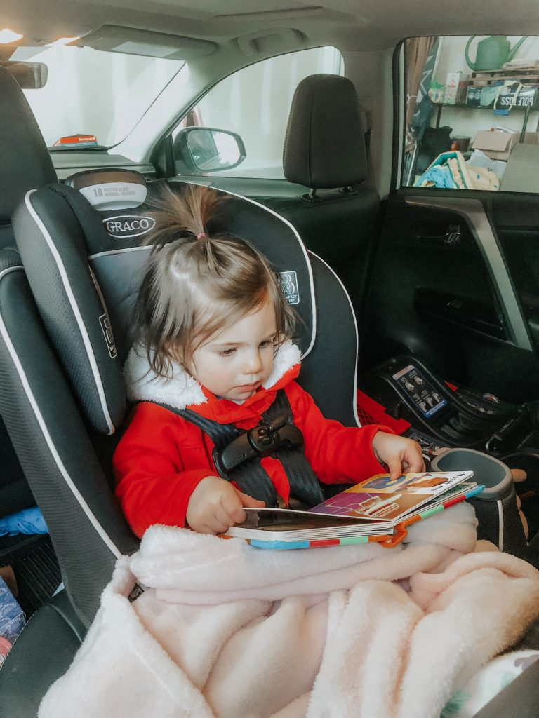 These are some great activities that really helped to cam my toddler down in the car and stopped his tantrums. It can be tough to entertain your child in the car, especially when they are tired and cranky. Follow these tips on a long road trip or just day to day car travel to keep them happy. and content during the drive.