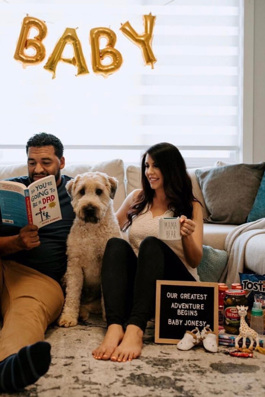 18 Funny & Unique Pregnancy Announcements