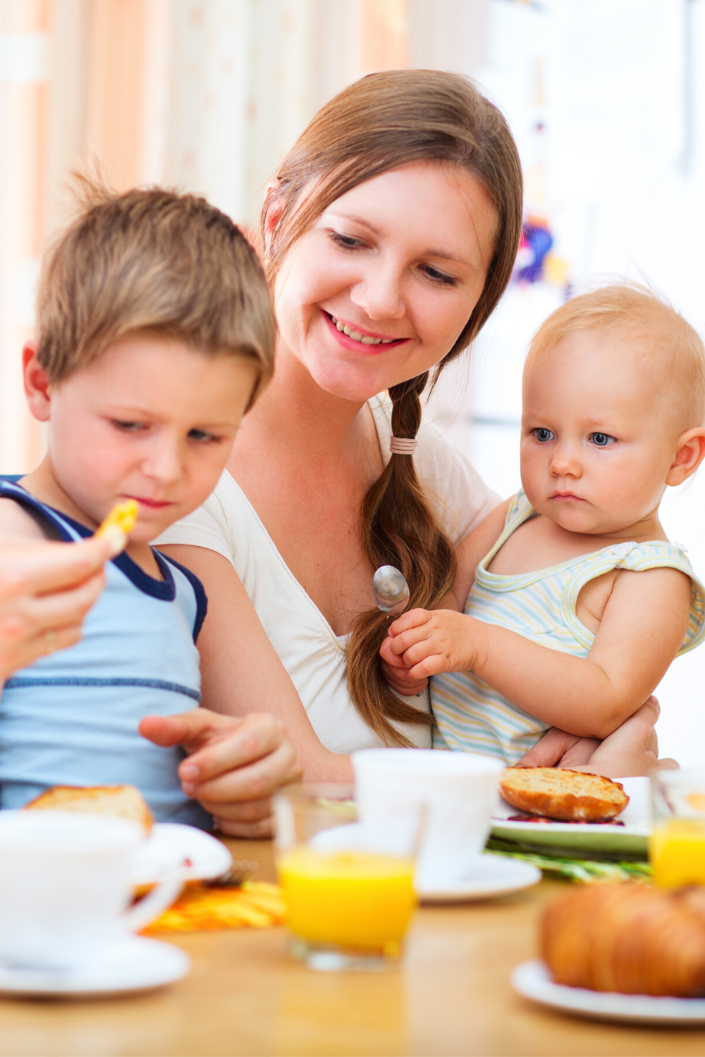 Secrets to Simplifying and Enjoying Family Mealtime with Little Ones
