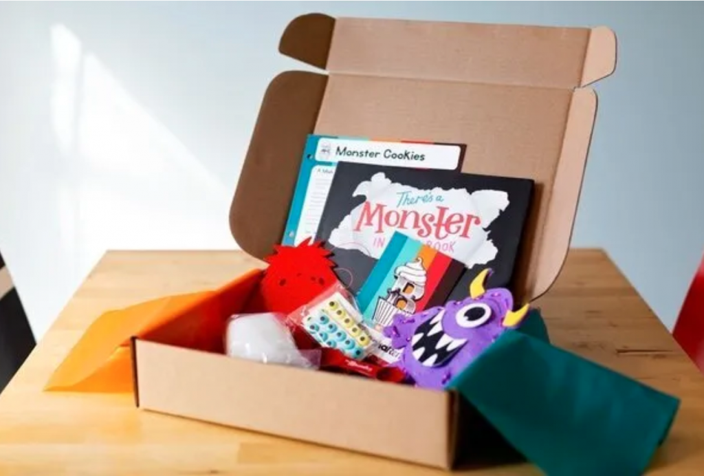 Subscription boxes make some of the BEST presents for kids, as they are the gift that just keeps on giving. Plus rather than opening one surprise, your child can get several months of surprises sent right to your door. Thes subscription boxes and kits are perfect for babies, toddlers, and preschoolers. The items are all developmentally appropriate and stimulate their senses and wonders while teaching new skills and exploration.