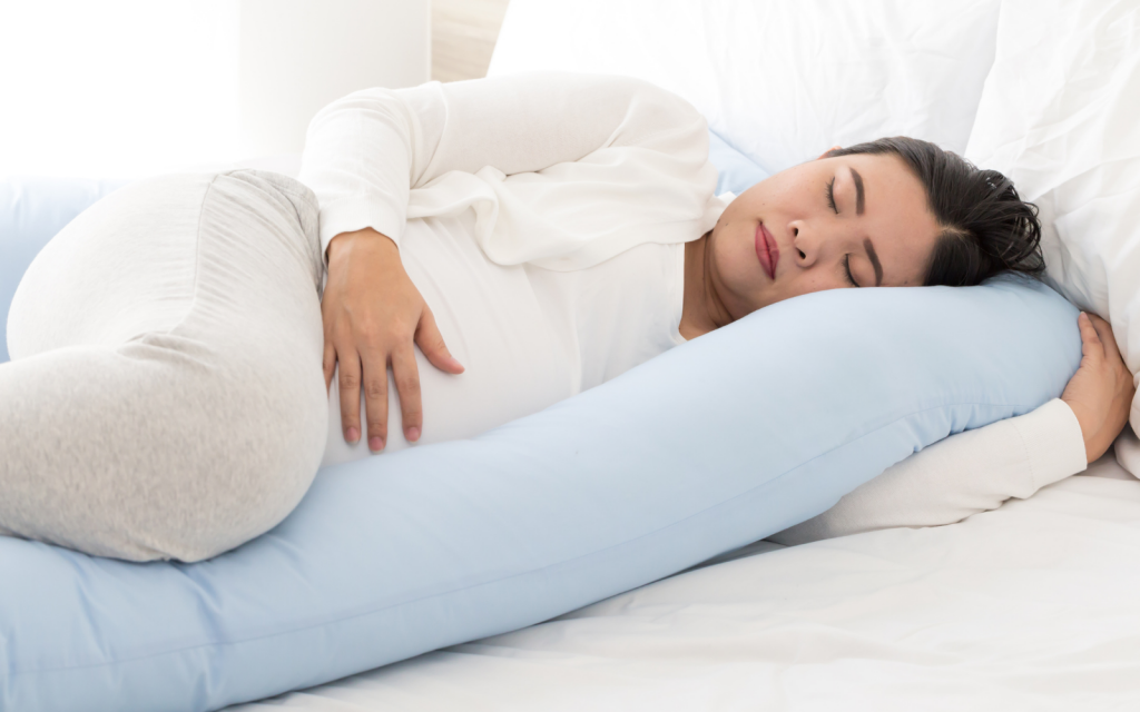 Pregnant women often experience sleeping issues. Here are some tips on getting good sleep as well as safe sleeping positions during pregnancy